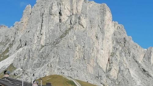 Guarda Dolomiti in moto