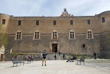 8 Castello Piccolomini Capestrano.jpg
