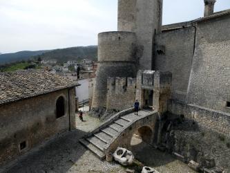 9 Nel castello Piccolomini.JPG