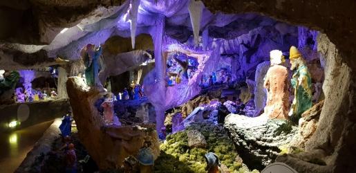 Enova e Santuario Babin Gesù di Praga ad Arezzano compreso il presepe sotterraneo. Buon lavoro.jpg