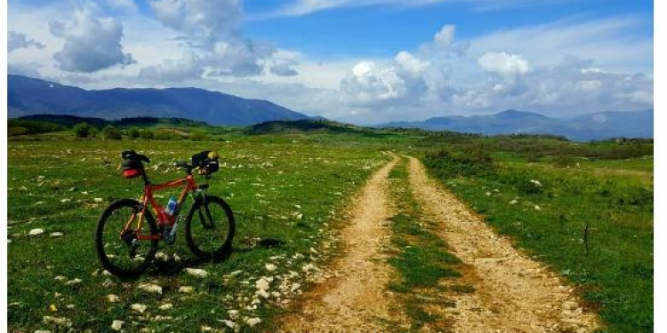 Nella terra dei Tholos in Mountain Bike
