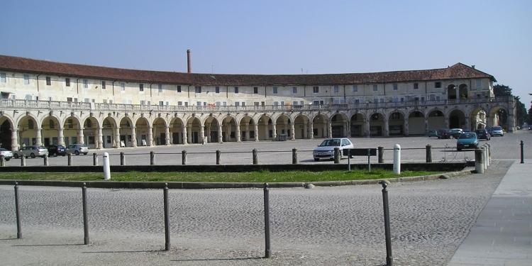 Villa Contarini e il mercatino dell'antiquariato
