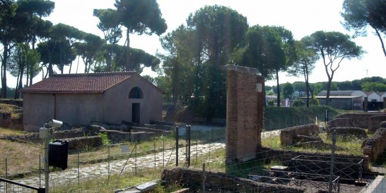 """Itinerari Romani: l'antica """"Regina Viarum"""" e Il """"Parco Archeologicodelle Tombe Della Via Latina"""""""
