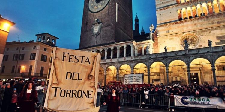 Cremona, la festa del Torrone