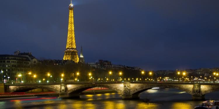 Tour Eiffel: verrà messo all'asta un pezzo della più famose torre in ferro