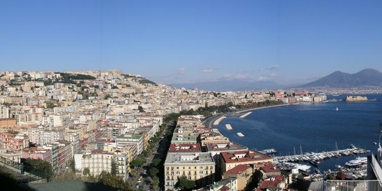 Philippe Daverio: un turismo più razionale a Napoli