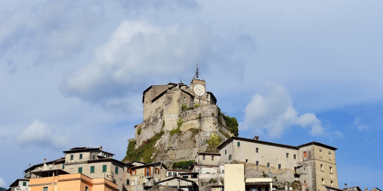 Subiaco, i monasteri Benedettini e il Trenino Aniene Express