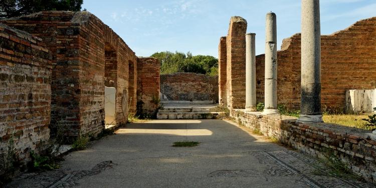 Rinasce il Decumano di Ostia antica