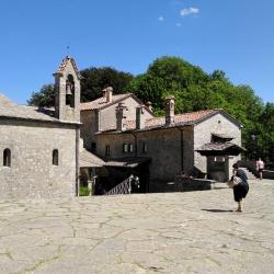 Castagnata a Caprese Michelangelo e il santuario della Verna