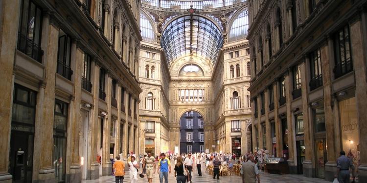 Napoli e lo shopping di lusso