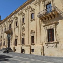 Chiesa ed ex abbazia di S. Benedetto .jpg