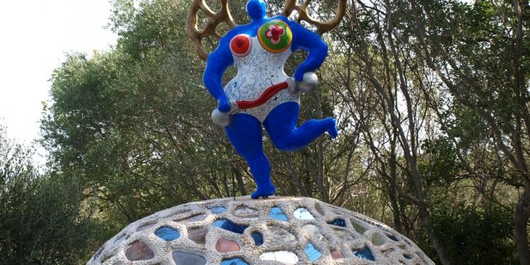 """Talamone e il """"Giardino dei Tarocchi"""" a Capalbio"""