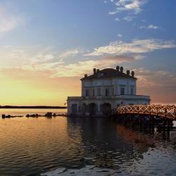 La Casina Vanvitelliana ed il Parco del lago Fusaro