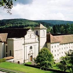 """La """"Top 10"""" delle abbazie e monasteri da visitare considerate """"mecca"""" di specialità gastronomiche"""