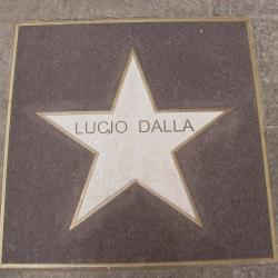 Bologna: visita alla casa di Lucio Dalla e mercatini di Natale