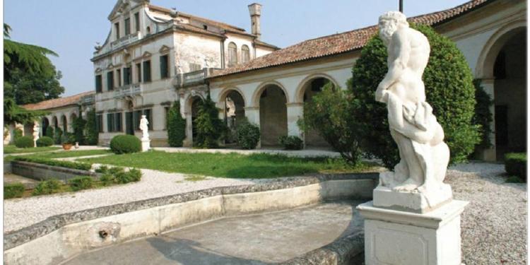 Al museo di Villa Lattes