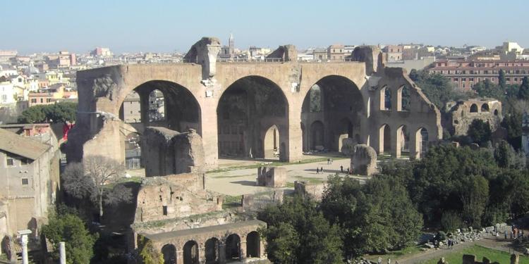 Dal Colle del  Campidoglio alla Valle del Colosseo