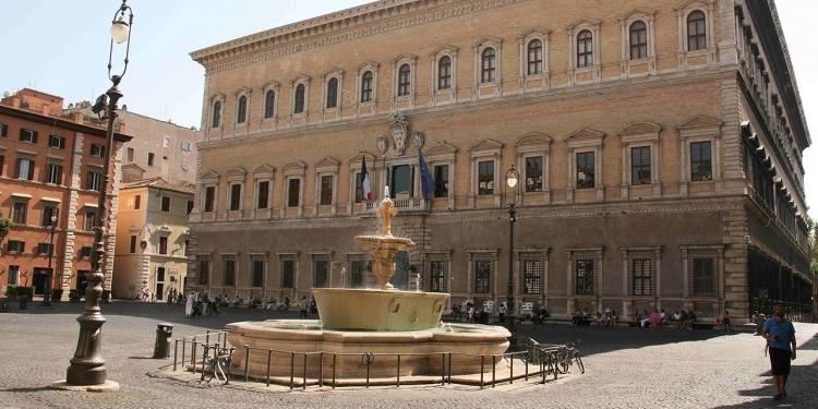 Roma: ancora una passggiata fra Piazza Farnese e Campo di Fiori