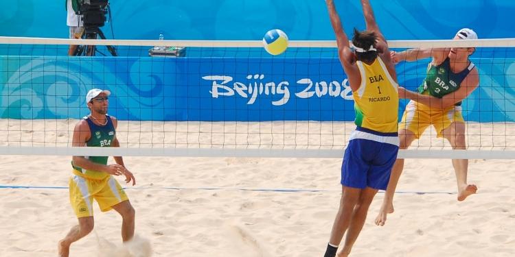 Giochi di spiaggia. Riccione beach volley e tennis