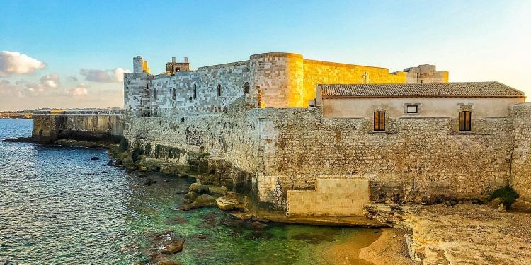Visita ad Ortigia Siracusa:i Bagni Ebraici, il Castello Maniace e la Cattedrale di S. Lucia