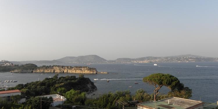 Napoli: da Miliscola allo Schiacchetiello