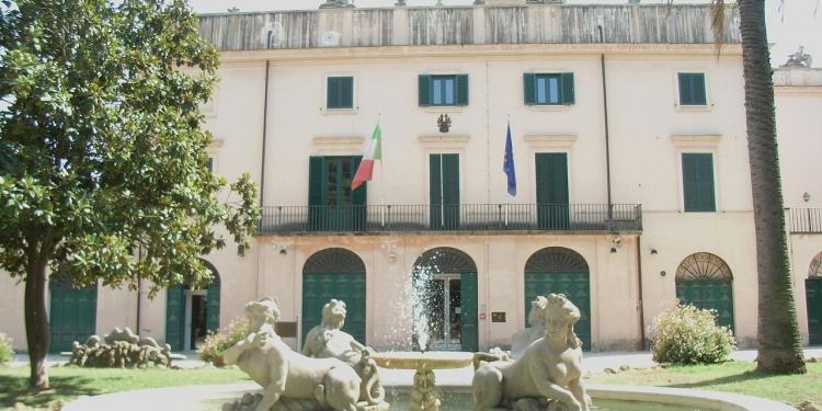 Passeggiata alla scoperta della romantica Villa Sciarra
