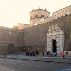 Musei Vaticani riaprono 3 maggio ma con norme più stringenti