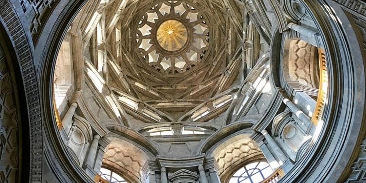 Cappella della Sindone, concluso il restauro dell'altare di Bertola