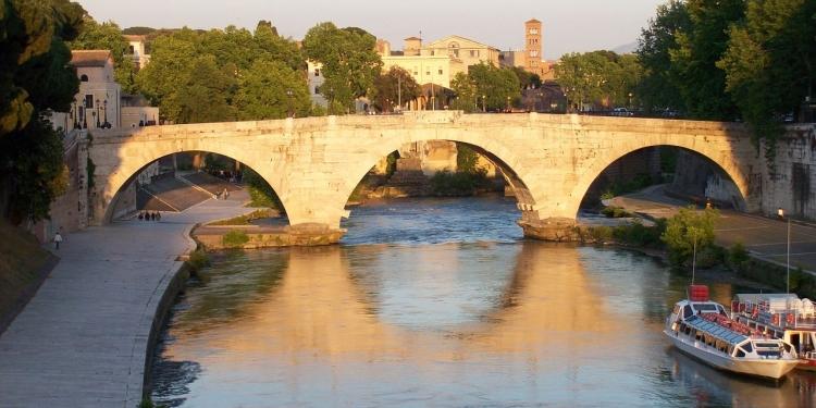 Roma ...da sotto in su