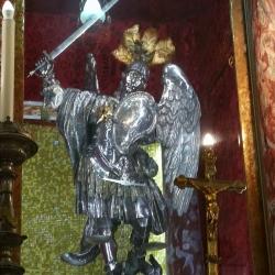 (5) La statua di SanMichele Arcangelo nell'omonima Abbazia .jpg