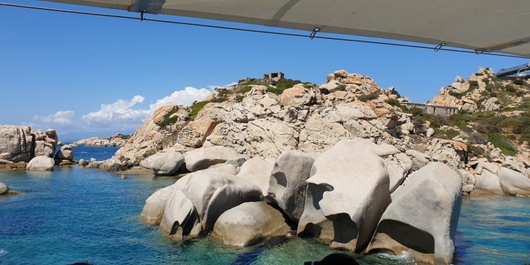 A spasso, in punta di piedi nell' Arcipelago di La Maddalena